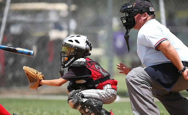 99baseballs-being-a-catcher-header-fl