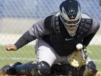 99baseballs-being-a-catcher-quick-blocking-fl
